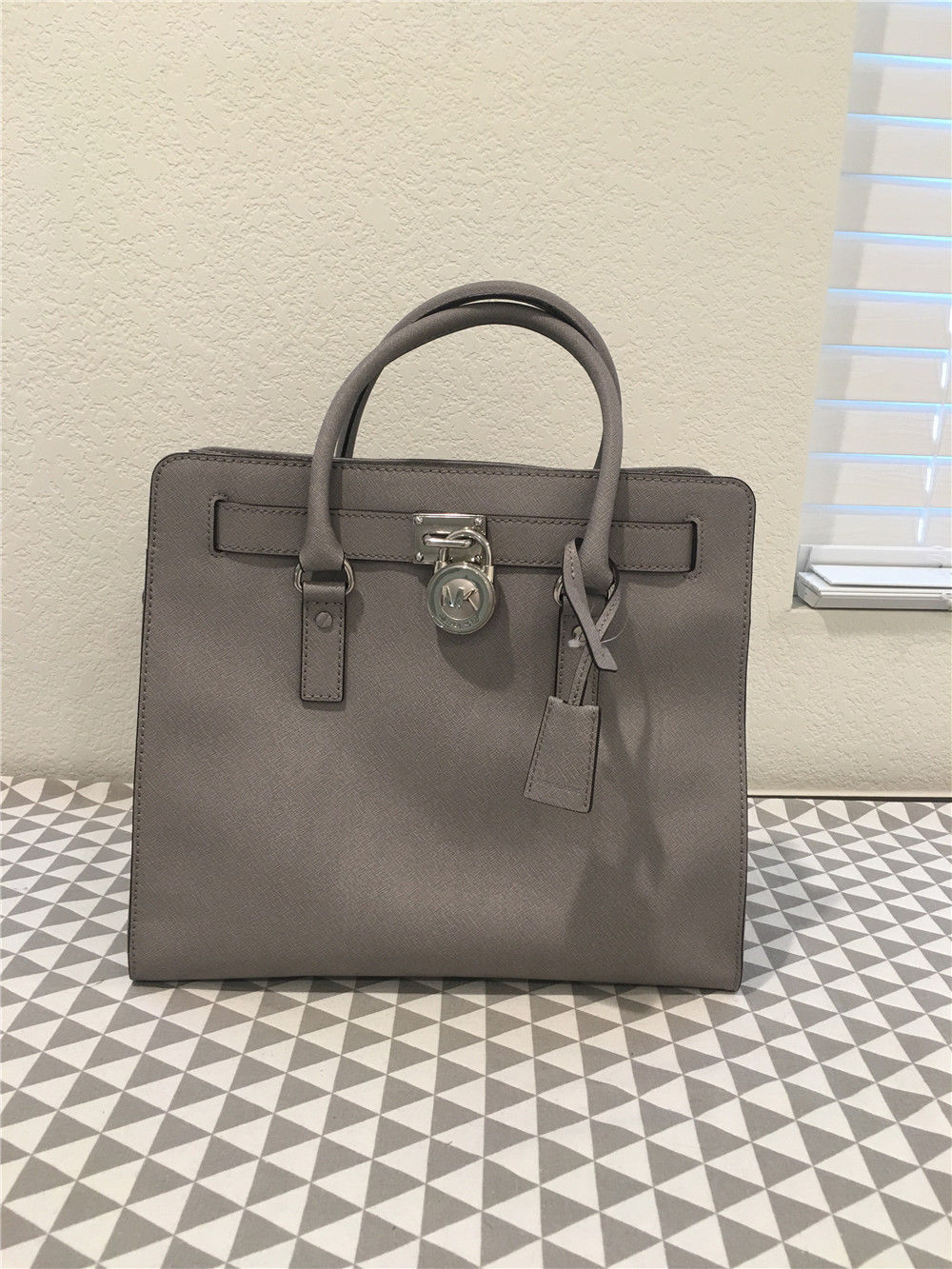 1e5bc6ec5dc9aa Michael Kors Large Dillon Saffiano Leather and 50 similar items. 57