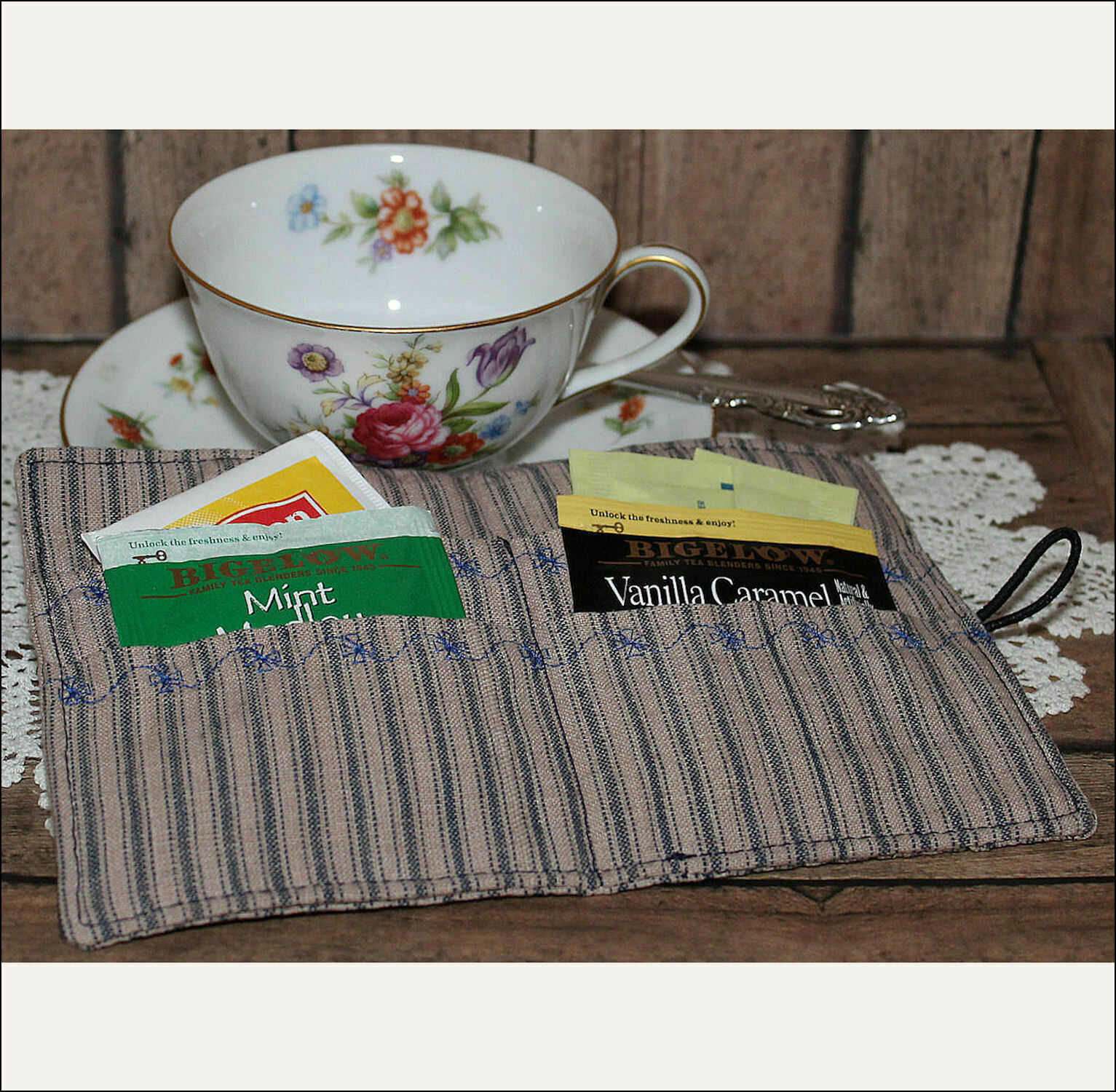 Tea Bag Wallet--White Lace Heart with Pearls