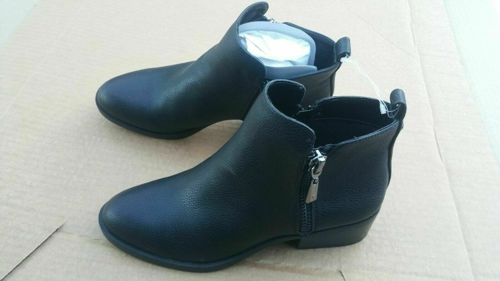 Primary image for Simple Vera Wang Black Ankle Boot SVROCKY Low Heel - Black Size 7