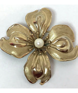 Vintage Golden Flower Posy Brooch Pin with Pearl Center - $7.59