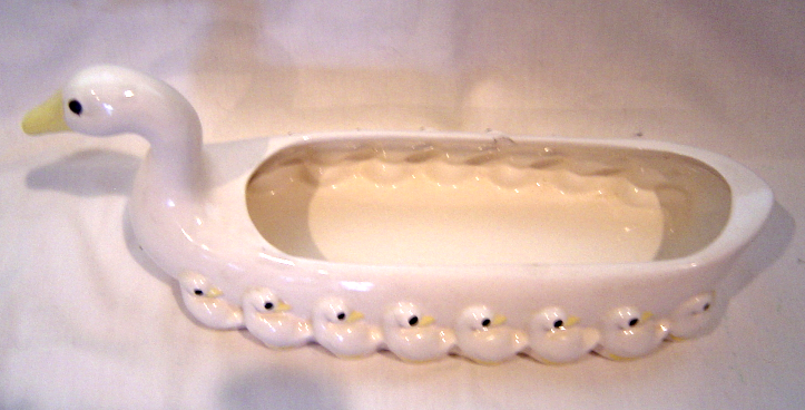 Vintage 1981 Fitz and Floyd White Ceramic Duck with Ducklings Cracker Tray Dish
