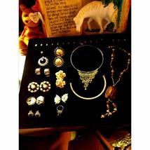 Stunning~Lot~Beautiful Vintage Jewelry~ - $26.73
