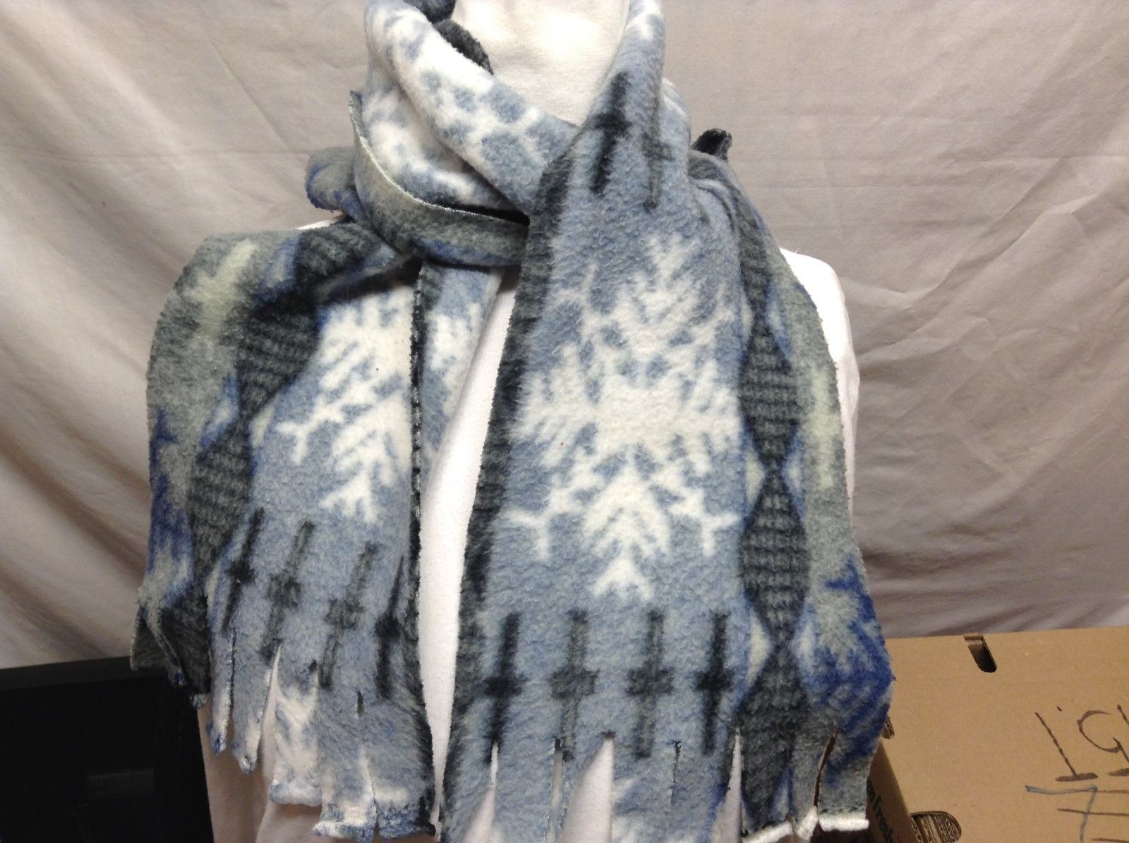 Blue/White/Grey Snowflake Patterned Scarf