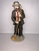 Vintage Flambro EMMETT KELLY Jr. Collection Clown Sweeping with Broom Fi... - $22.50
