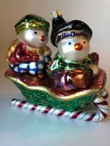 Fitz and Floyd Figural Snowman Snow Kids On Sleigh Sled Glass Ornament - $287,75 MXN