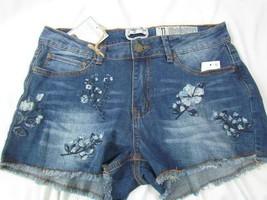 NWT Indigo Rein Midrise Short Jr Size 7 Floral Embroidered Frey Lt Blue ... - $23.74