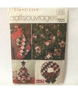 Simplicity Pattern 7025 Patchwork Christmas Tree Centerpiece Wreath Stoc... - $6.75