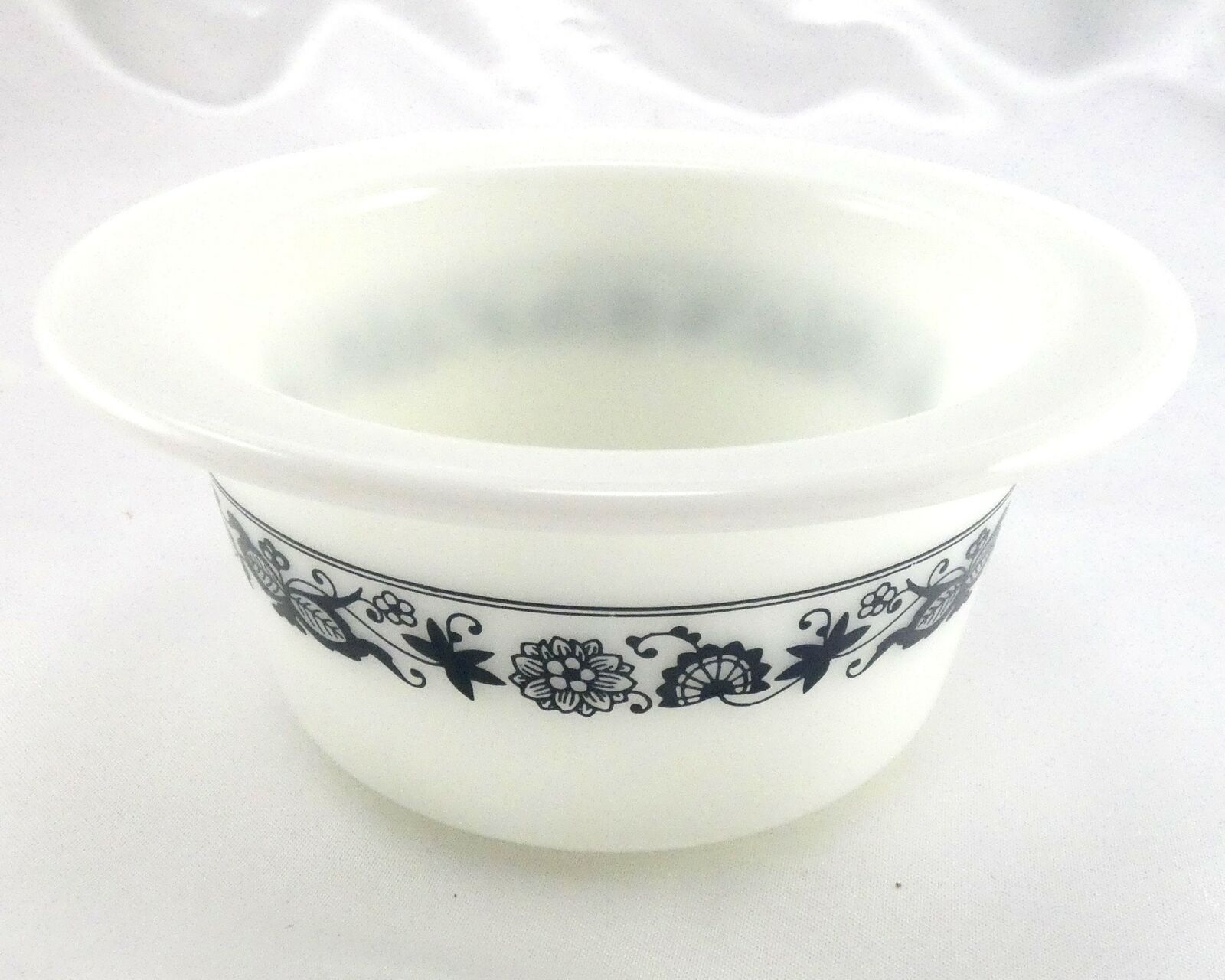 Pyrex 75 Old Town Dish Blue Wide Extended Rim Crock Style Bowl ~ Made in the USA