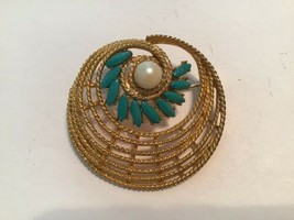 Vintage Faux Turquoise & Pearl Textured Spiral Gold Tone Brooch - $13.86