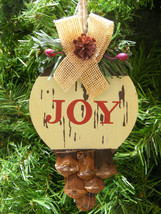 WOOD JOY PLAQUE w/ PINE BRANCH & PINE CONE & HOLLY BERRIES CHRISTMAS ORN... - $5.88