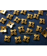 Cuenta Tapones 100 Pc Antiguo Chapado en Oro 6-8mm Filigrana 4 Leaf Diseño - $1.96