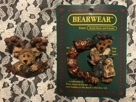 Boyds Collector Bears Bearwear 2 Pins Boo Born To Shop! #26010 Merry Chr... - $14.68