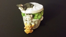 Rare Vintage Music Box Kitty Cats Stealing From... - $55.00