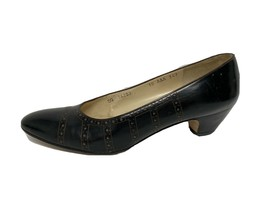 Salvatore Ferragamo  Florence Italy women's shoes Leather pumps size 10 AAA - $39.38