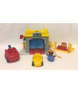 Fisher Price Little People toys Discovering Vehicles at the Garage 2002 - $7.00