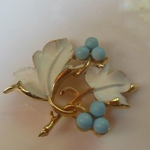 Vintage Sarah Coventry Gold Enamel Floral Leaf Brooch/Pin  - $24.74