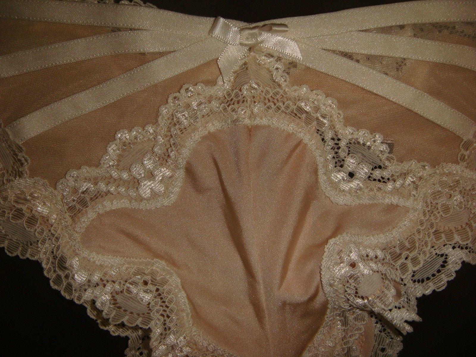 Victorias Secret Dream Angels Embroidered Floral Garter Belt Pink Butterfly XS//S