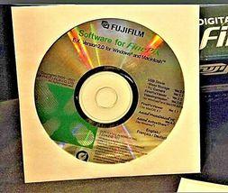 Fujifilm FinePix 2800 Zoom 2.0 MP Digital Camera Silver Vintage AA19-1389 image 3
