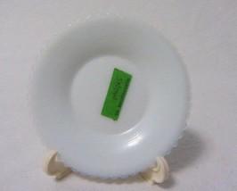 Boyd Art Glass Heart & Lyre Snow White Small Round Plate B In Diamond - $5.99