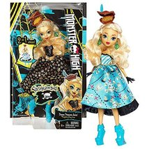 Mattel Year 2016 Monster High Shriekwrecked Series 11 Inch Doll Set - Da... - $34.99