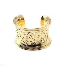 Inspired Silver Leaf Design Gold Tone Finish Stylish Concave Cuff Bracel... - $235,72 MXN
