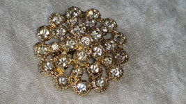 Vintage pin brooch clear rhinestones gold tone stunning different - $18.00