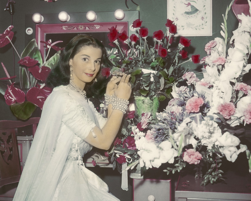 Primary image for Pier Angeli 1950'S Pose In Her Dressing Room With Flowers 16X20 Canvas Giclee
