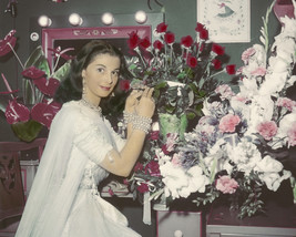 Pier Angeli 1950'S Pose In Her Dressing Room With Flowers 16X20 Canvas G... - $69.99