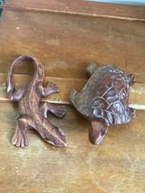 Estate Hand Carved Wood Wooden Salamander Lizard Gecko & Sea Turtle Figu... - £10.10 GBP