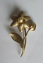 Vtg Flower Pearl Bud A&Z 1/20 12Kt Gold Filled GF Brooch Pin - $20.00
