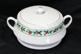 Gibson Xmas Greeting Holly Covered Bowl Tureen Gold Trim - $97.02