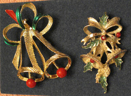 Gerrys PINS LOT 2 Christmas BELLS Gold Plated Brooch Retired Collectible Jewelry - $19.75