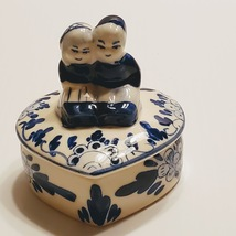 Delft Blue colour Trinket box Girl and Boy. Vintage - $15.95 CAD