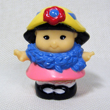 Fisher Price Little People SONYA LEE Playtime Pals Tea Party 2003 - $3.50