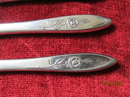 """Oneida Community  stainless dinner Knives knife set of 4 8 3/8"""" - $7.87"""