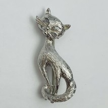 Vintage Signed Monet Brushed Silver Tone Siamese Cat Brooch Pin - $24.70