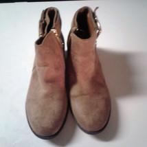 Michael Kors Girls Brown Velvet Ankle Boots sz 2 - $39.00