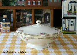 TAYLOR SMITH & TAYLOR COVERED SERVING BOWL – A TOUCH OF ELEGANCE FOR YOU... - $39.95