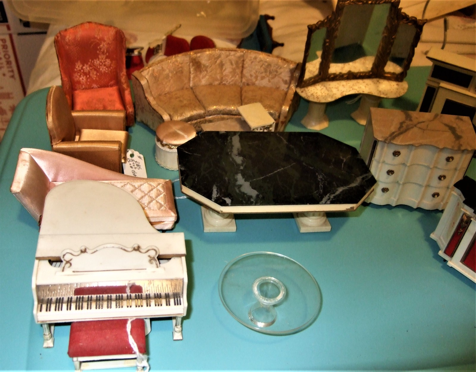 Idea Tots - Large lot of 15 vintage Ideal Petite Princess Dollhouse furniture