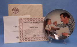 Knowles Bradford Exchange Plate Fathers Love Open Wide Betsey Bradley Baby - $10.84