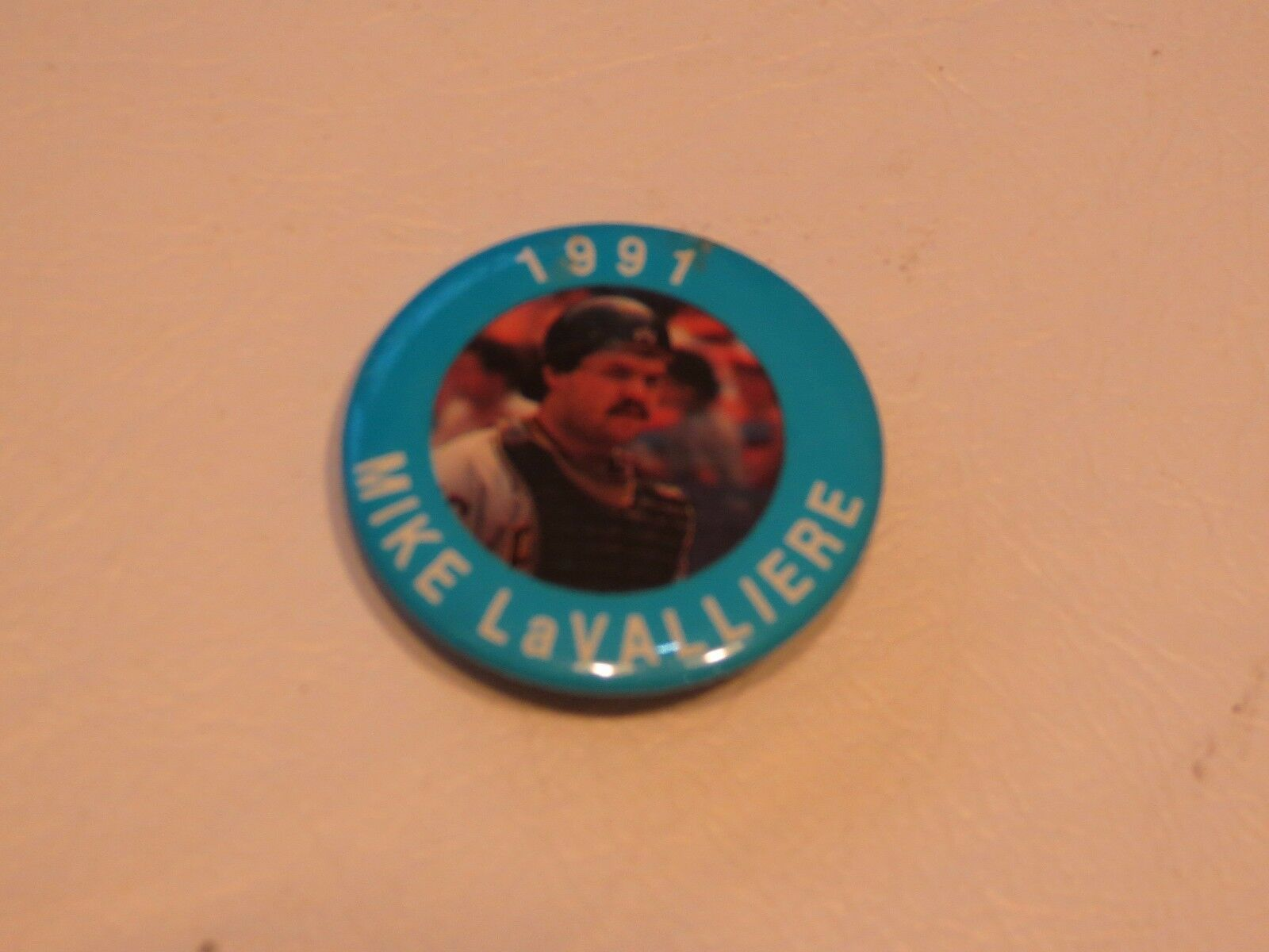 Primary image for RARE 1991 Baseball Pin PITTSBURGH PIRATES Mike LaValliere button 1 1/2 in MLB
