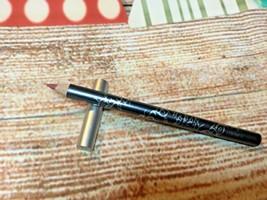 Urban Decay lip pencil Lounge New - $12.19