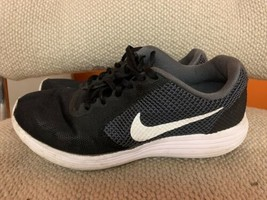 Nike Black Gray Womens Running Shoes Size 8.5 - $11.30