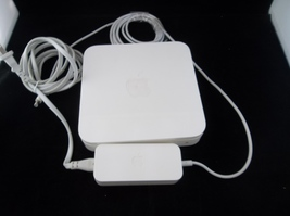 Apple Airport Extreme Base Station Dual Band 2009 Wireless Router A1354 - $25.00