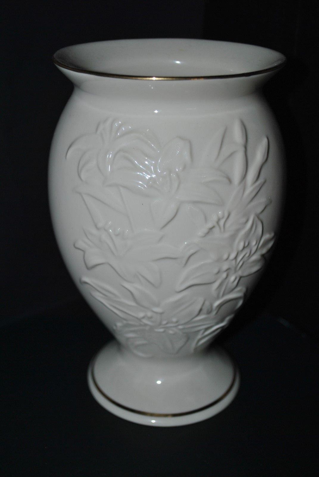 Vintage Lenox Lily Porcelain Cream Flower Vase with Gold Trim
