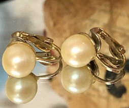 "VTG 50s Faux Pearl Ball Gold Tone 1/2"" Clip On Earrings~Retro~Wedding~Oc... - $8.60"