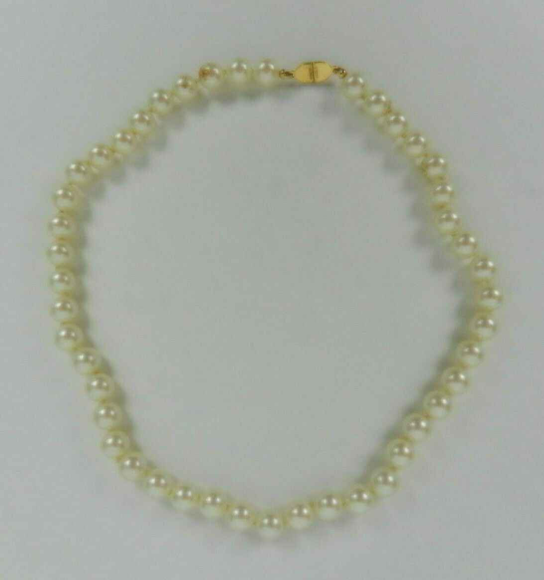 Monet Necklace Faux Pearl Knotted Beads With Gold Clasp Short Strand 16.25 in.