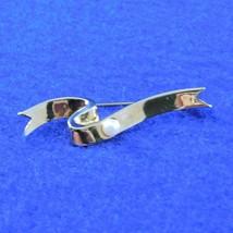 Small Ribbon Brooch AVON - Single Pearl - Gold Tone - 1984  President's Club - $6.50