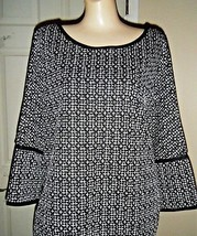 NWT MAX STUDIO STRETCH BLACK/WHITE PRINT TOP SIZE L $98 - $48.37