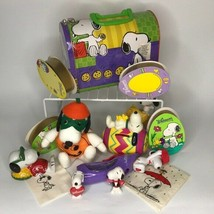 Vintage 15pc lot Peanuts Snoopy Collectibles Holiday Lunch Box Figures W... - $48.51